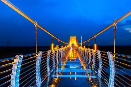 玻璃天桥.jpg
